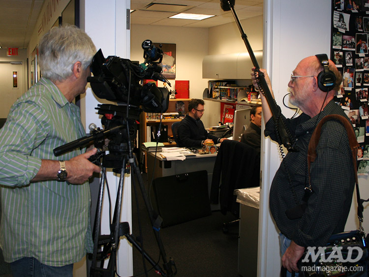 mad magazine the idiotical cbs sunday morning peter kuper mad offices camera crew